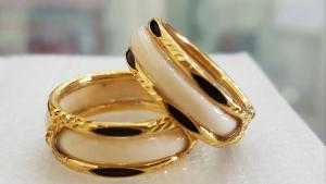 Mơ thấy đeo nhẫn vàng/nhẫn bạc/kim cương nên đánh con gì?