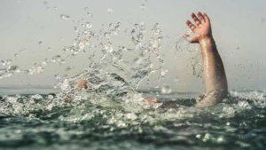 Mơ thấy cứu người chết đuối là hên hay xui?